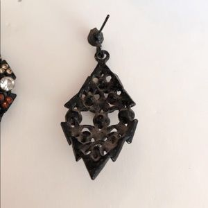 Jewelry - Antique look Brown earrings